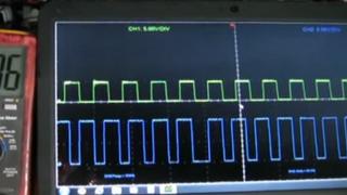 Comprobación de señal de excitación de un alternador