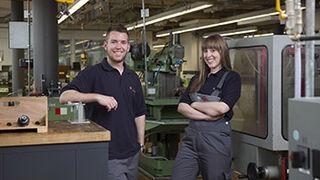 Bosch crea 15 puestos de formación profesional dual para jóvenes de España