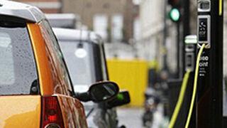 Los coches eléctricos emiten tantas partículas como los diésel y gasolina
