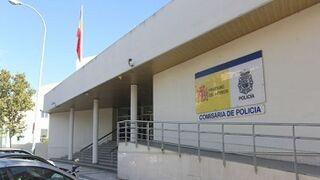 Un policía de Huelva, acusado de inducir al dueño de un taller a inflar facturas