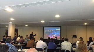 Medio centenar de talleres valencianos analiza el futuro del sector de carrocería