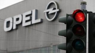 Opel defiende que sus coches no incluyen software ilegal de emisiones