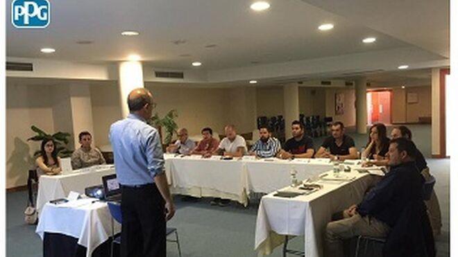 PPG y Poniente Colours imparten formación gerencial a talleres de Almería