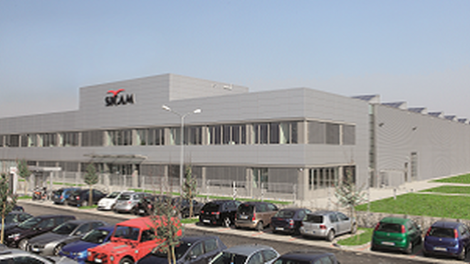 Bosch muestra a distribuidores de equipos de taller una de sus fábricas en Italia