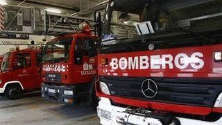 El humo de un motor provoca un incendio en un taller en Pamplona