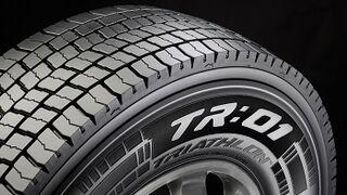 Triathlon R:01, nueva gama de neumáticos regionales de Pirelli