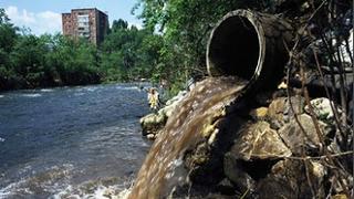 Localizan un ilegal que vertía residuos a la red de pública de saneamiento
