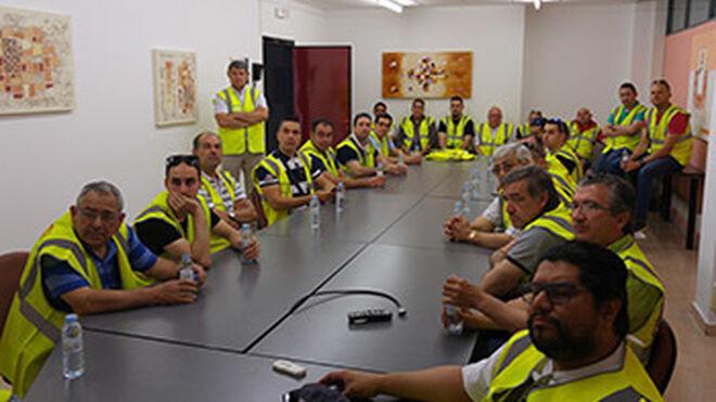 Talleres clientes de Recambios Gaudí visitan la fábrica de Road House