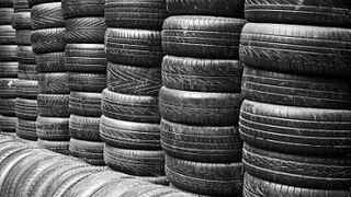 Multa de 26.000 euros por acopio ilegal de neumáticos en Algeciras