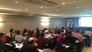 Acoat Selected muestra a sus talleres el plan de desarrollo de la red