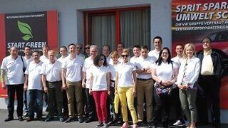 AZ España celebra con Banner sus 30 años de colaboración