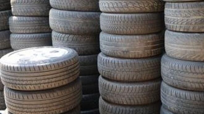 Expedientados varios almacenes de neumáticos en Valencia
