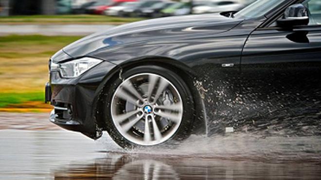 Dos de cada tres conductores desconocen el estado del dibujo de sus neumáticos
