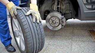 Cambiar los neumáticos en España cuesta 454 euros de media