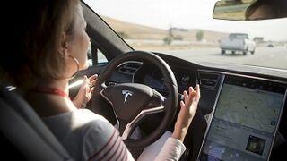 Hackean un Tesla Model S y no detecta obstáculos para evitar accidentes