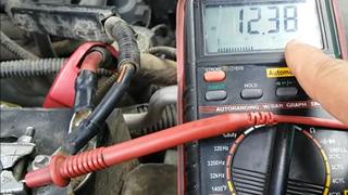 Cómo diagnosticar una batería que se descarga
