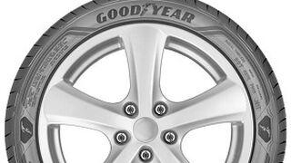 El Alfa Giulia escoge para primer equipo neumáticos Goodyear