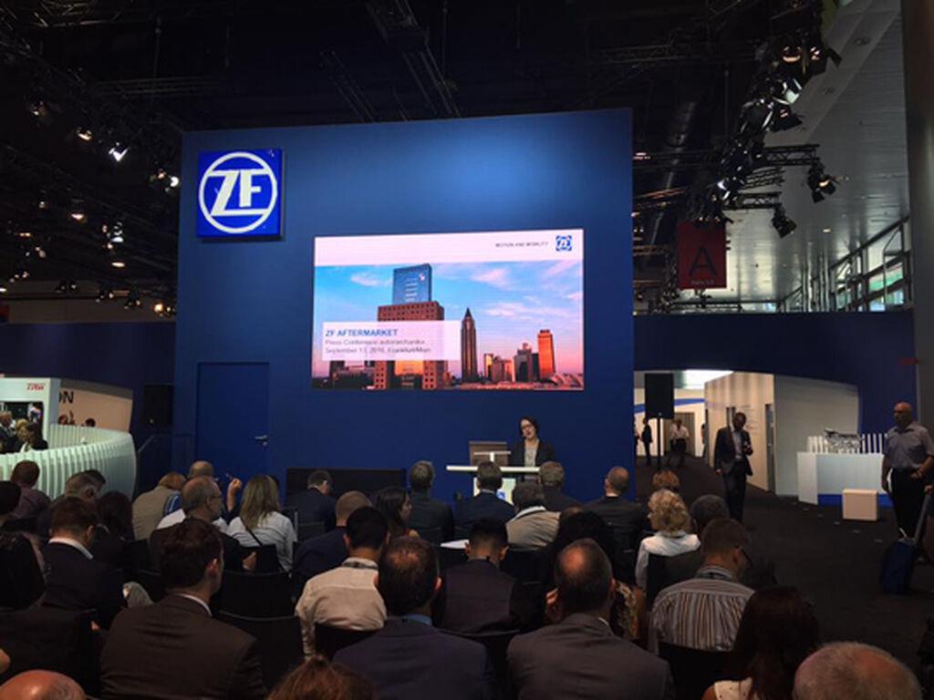 Presentación de prensa de la nueva ZF, con TRW ya integrada.