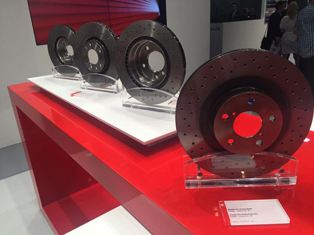 Los discos de freno perforados Brembo Xtra.