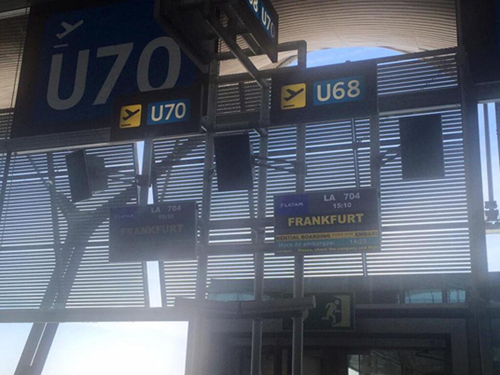 El equipo de InfoCap/InfoTallerTv, a punto de partir hacia Frankfurt.