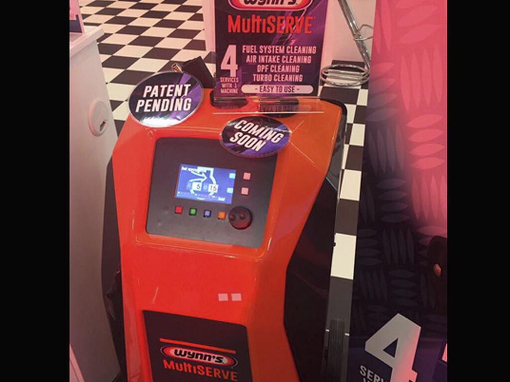 La máquina Multiserve de Wynn's, presentada en primicia en la feria.