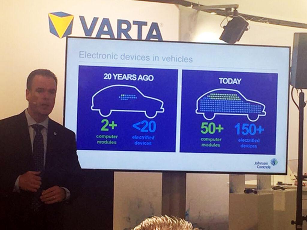 En la presentación de Varta, sobre las baterías que tendrán los nuevos vehículos.