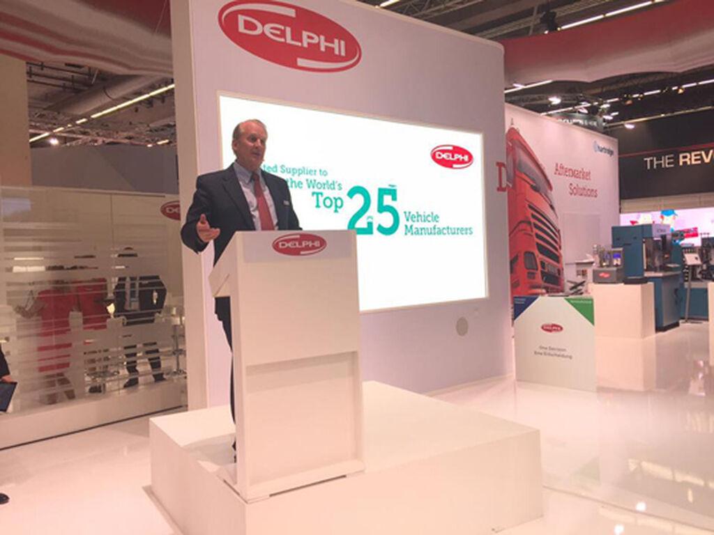 El presidente mundial de Delphi Products & Solutions, ante los periodistas.