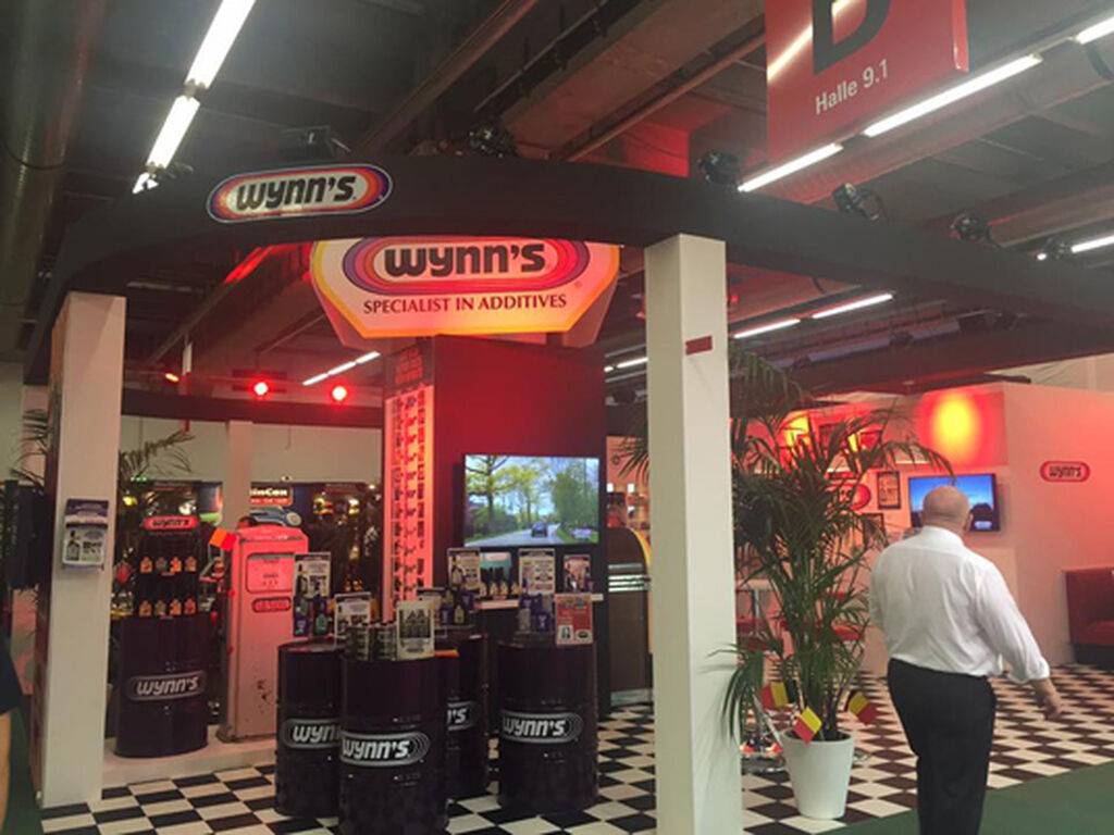 El stand de Wynn's en el pabellón 9, de estilo retro.