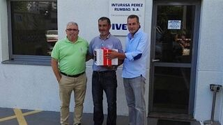 Nexa Autocolor premia la fidelidad de la red de Iveco
