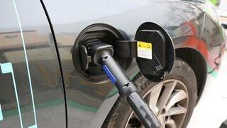 Industria volverá a incentivar la compra de coches 'verdes' en 2017