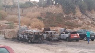 Reparaciones ilegales podrían estar detrás del incendio de una docena de coches