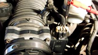 Comprobación de un sensor de masa de aire por frecuencia