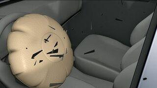 Casi 6 millones de Toyotas, de revisión de nuevo por los airbags Takata
