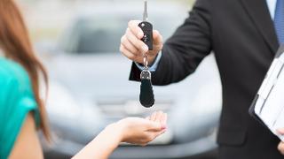 ¿Cuáles son las aseguradoras que ofrecen vehículo de sustitución en más ocasiones?