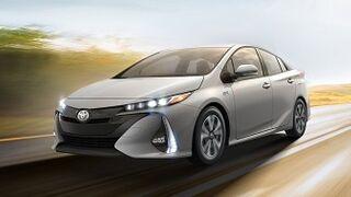 Toyota llama a revisión a otros 2,4 millones de híbridos
