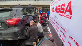 Lassa enseña sus neumáticos de 2017 a clientes de Recambios Gaudí