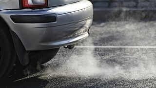 Barcelona podría prohibir la circulación de más de un millón de coches desde 2020
