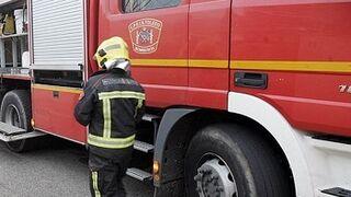 Un incendio en dos naves de neumáticos afecta a un taller en Toledo