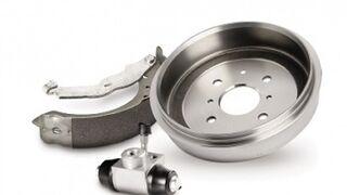 Cómo reparar los frenos de tambor y montar la rueda