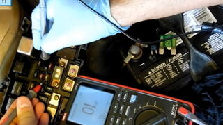 Cómo comprobar de forma sencilla los fusibles de un vehículo