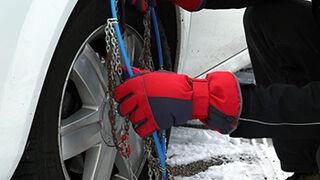 Más de la mitad de los conductores desconoce cómo colocar las cadenas de nieve