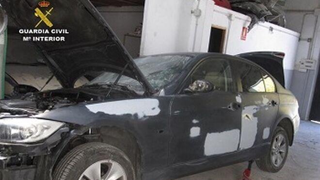Detenidos por manipular bastidores de coches en talleres ilegales