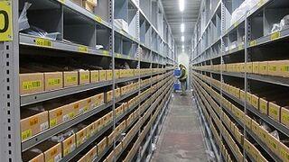 PSA inaugura en Vigo un centro logístico de recambios