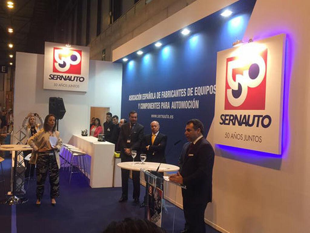 Sernauto firmó un acuerdo con la DGT para concienciar a los conductores sobre la importancia del mantenimiento responsable.