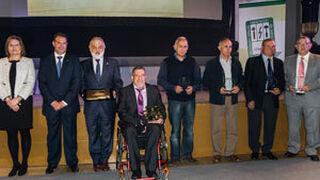Atarvez entrega sus distinciones anuales