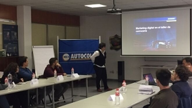 Nexa Autocolor y Cañizares Piñero forman a talleres en marketing online