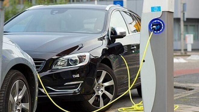 La patronal pide más apoyo para los coches ecológicos