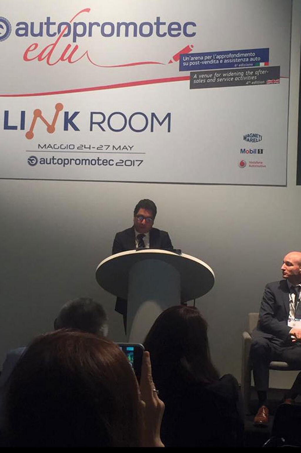 Emanuele Vicentini, director de Autopromotec dio la bienvenida a los medios internacionales.
