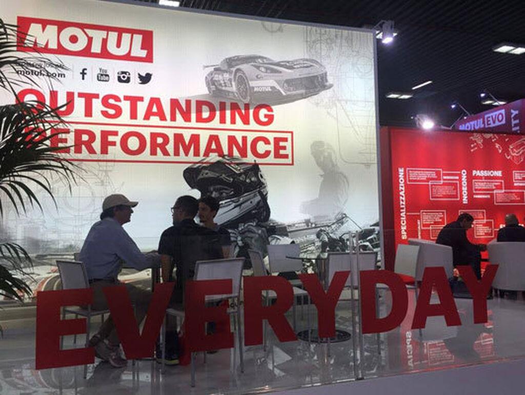 Stand de Motul en Autopromotec 2017.