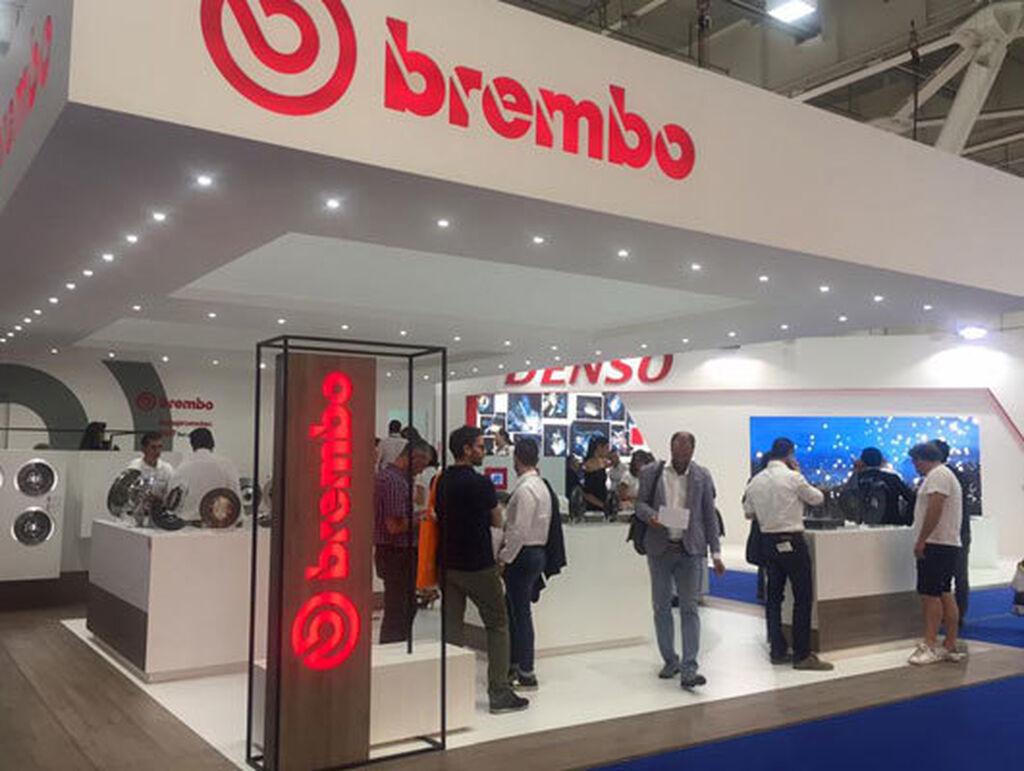 El stand de Brembo siempre destaca por su diseño.